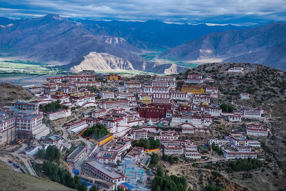 @nomadictibet's cover photo for 'Why visit Tibet, the top ten reasons for travelling to Tibet.'