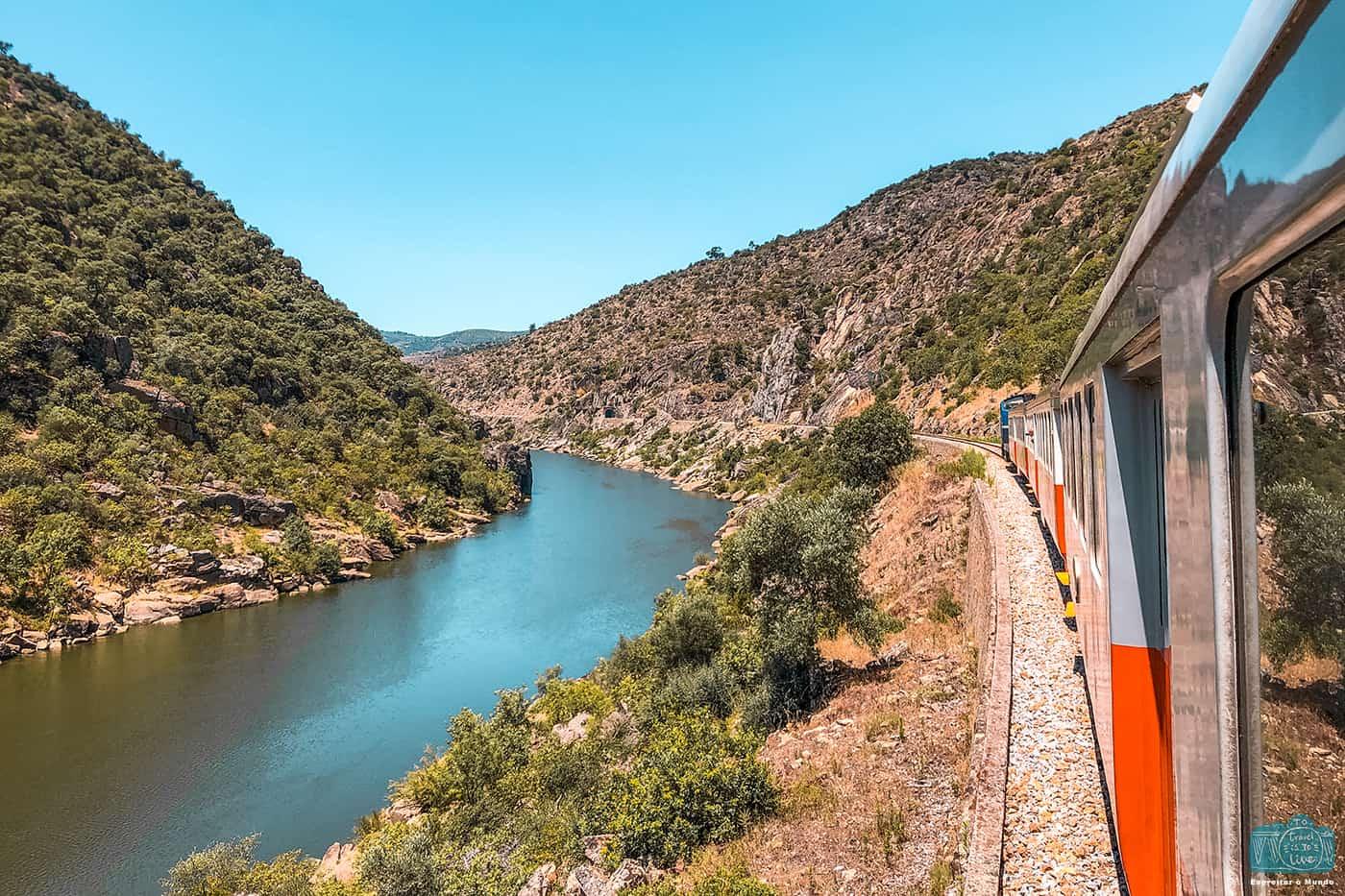 @espreitaromundo's cover photo for 'Linha do Douro, uma inesquecível viagem de comboio'